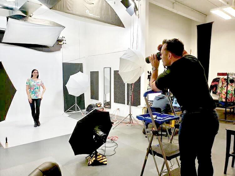 Toronto Fashion Photo Studio Low Price Excellent Quality